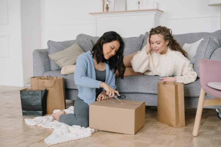 women packing their things